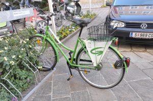 Längst ist das Fahrrad zum Symbol der Zuschreibungen grüner Politik in Österreich geworden. Es steht für ein im Grunde positives Signal, während größere Probleme ignoriert werden. Von © Foto: Ra Boe / Wikipedia /, CC BY-SA 3.0 at, https://commons.wikimedia.org/w/index.php?curid=23305035